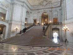 Visite du city hall de San Francisco Visite en francais de la prison d'Alcatraz lors de la visite privée de San Francisco avec www.frenchescapade.com