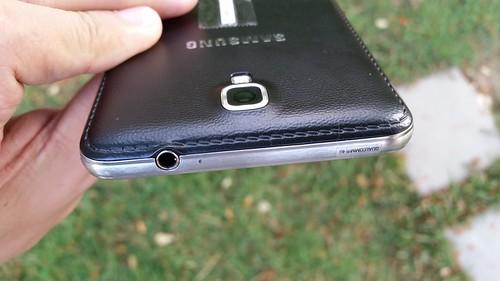 Samsung Galaxy Note 3 Neo ด้านบน