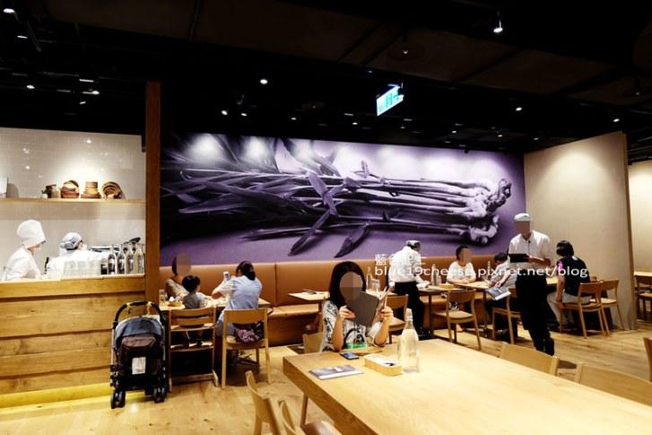 29400492273 c913f660ee c - Cafe&Meal MUJI台中店-MUJI無印良品生活研究所台中旗艦店.冷熱食組合搭配套餐.貼心的兒童的木製遊戲空間.全台獨家刺繡服務.ReMUJI商品