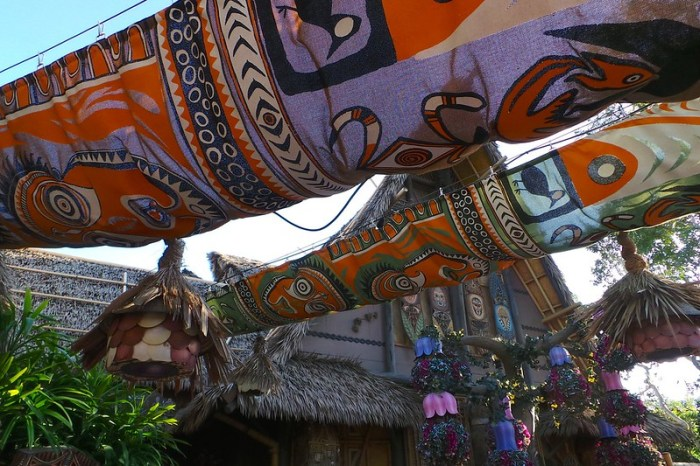 Disneyland Enchanted Tiki Room