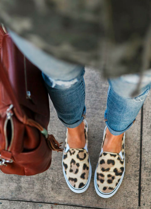 animal_print_sneakers_outfit_inspo_3