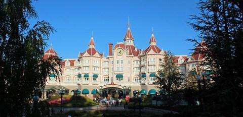 Disneyland Hotel/park entrance