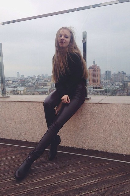 06 Annie Lysenko