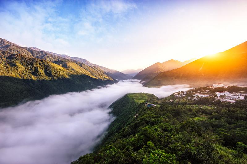 Sunrise at Motuo Town, Tibet, China - shihan shan