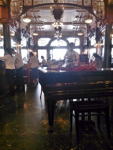 Dónde comer y gastronomía en Oporto (Portugal) - Majestic Café Oporto.