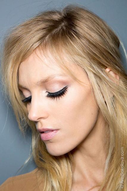 hbz makeup trends fw2014 mega lashes 04 Gucci bks