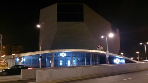 Día 1: Portugal (Oporto: Plaza Libertad, Iglesias Congregados, San Ildefonso, Santa Catarina, Carmelitas, etc, Majestic Café, Mercado Bolhao, Estación Sao Bento, Librería Lello, Casa da Música, Sinagoga, Riverside, Hospital San Antonio, Francesinha, etc).