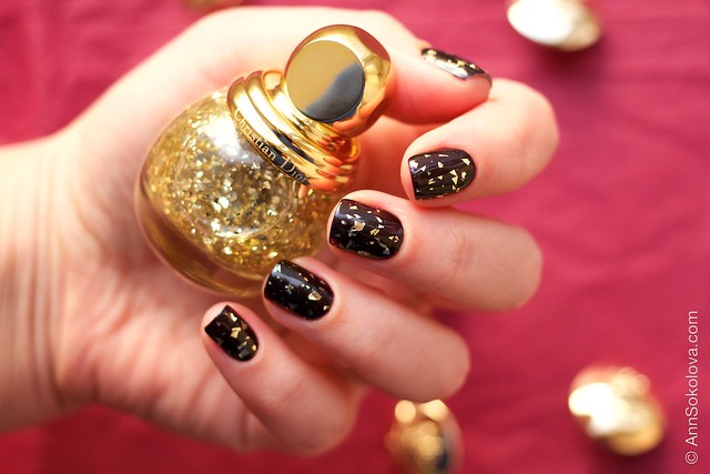02 Dior Diorific Vernis #001 Golden Shock over #990 Smoky swatches