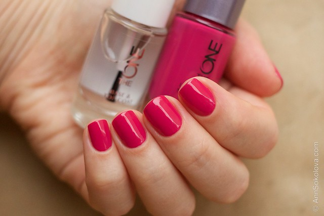 19 Oriflame The One Fuchsia with Oriflame The One Base & Top Coat
