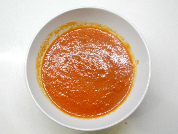 Dairy-free creamy tomato soup