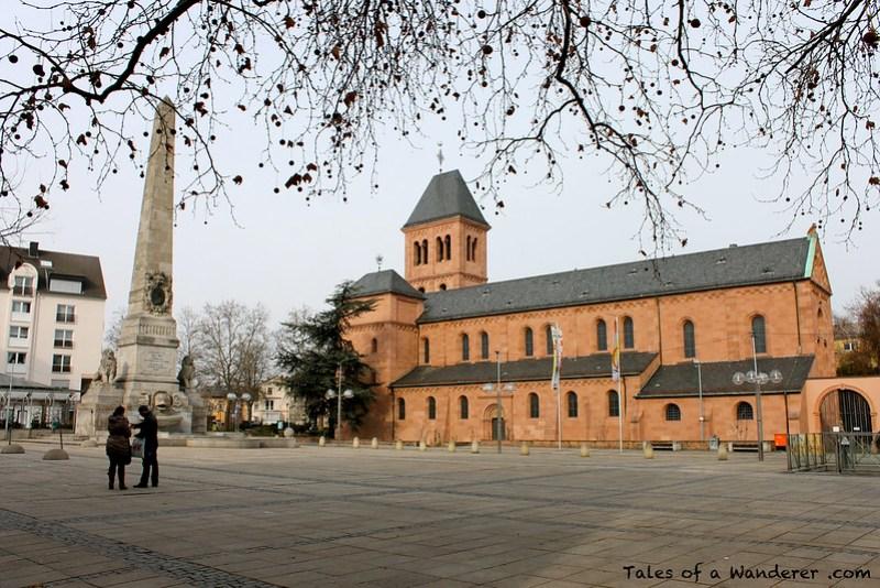 WORMS - Ludwigsdenkmal  / Martinskirche