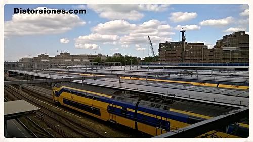 Andenes de Utrecht Centraal desde el nuevo edificio de la estación