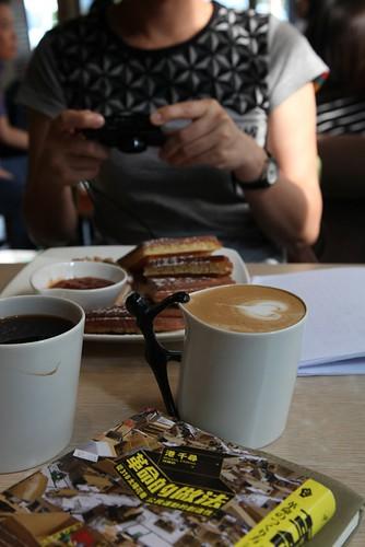 【咖啡館】兩家名字可相連的咖啡館:彰化「手勾手」、桃園「走走」