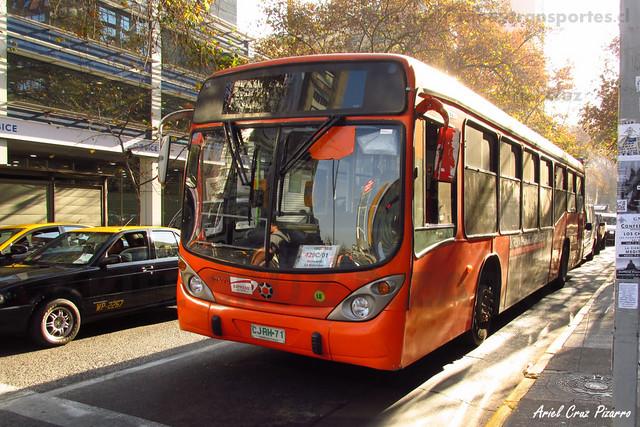 Transantiago - Express de Santiago Uno - Marcopolo Gran Viale / Volvo (CJRH71)