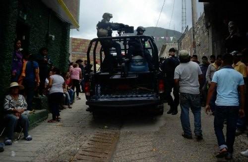 Hallan tres fosas clandestinas en Carrizalillo, Guerrero