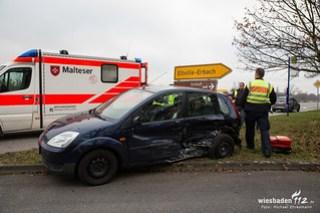 Verkehrsunfall B42 Erbach 10.12.15