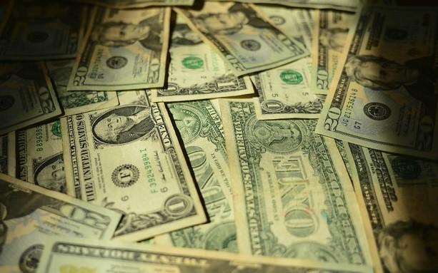 Caída económica seguirá en 2016, prevé analista