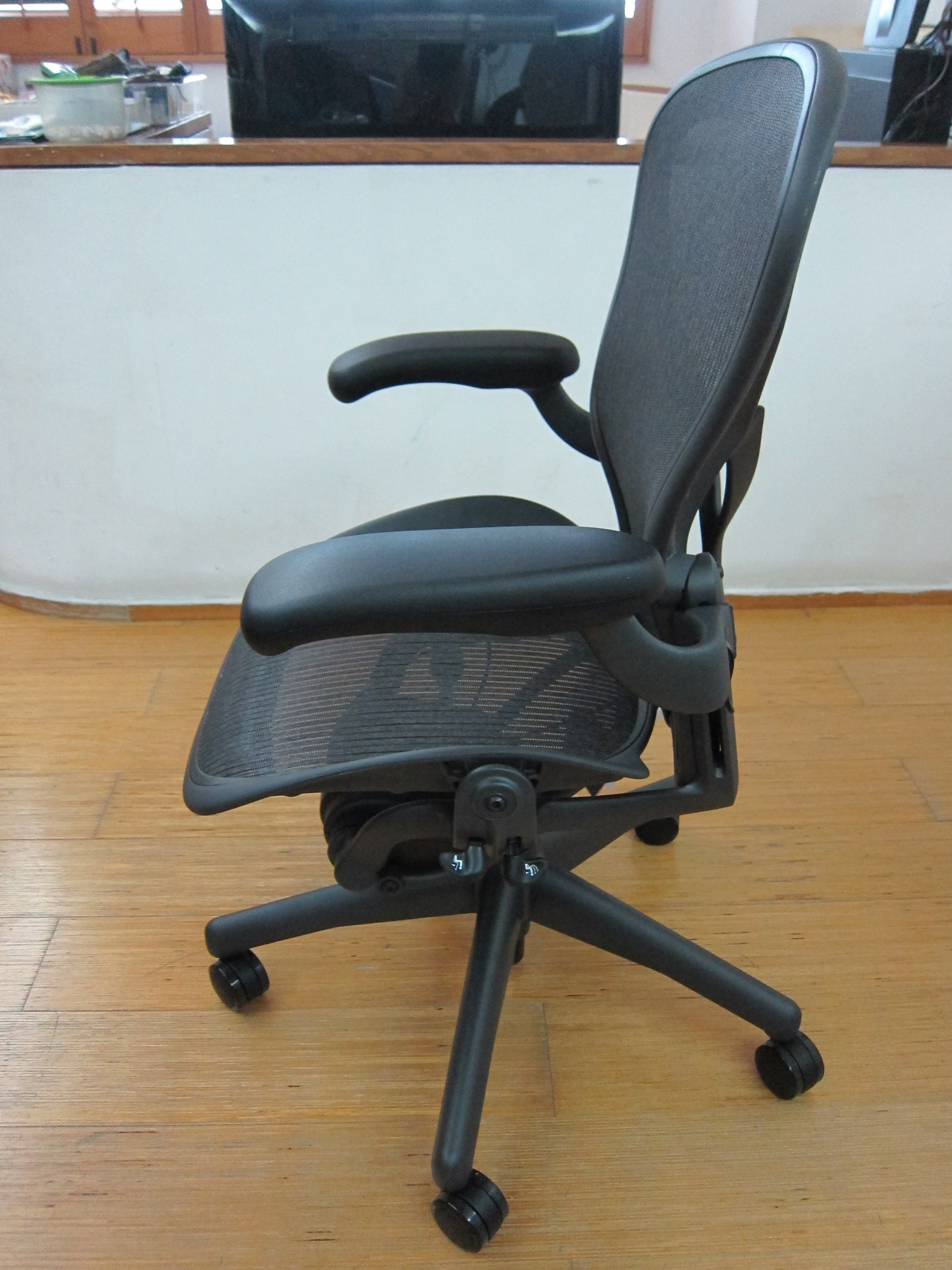 posturefit chair folding japanese herman miller aeron  blog lesterchan