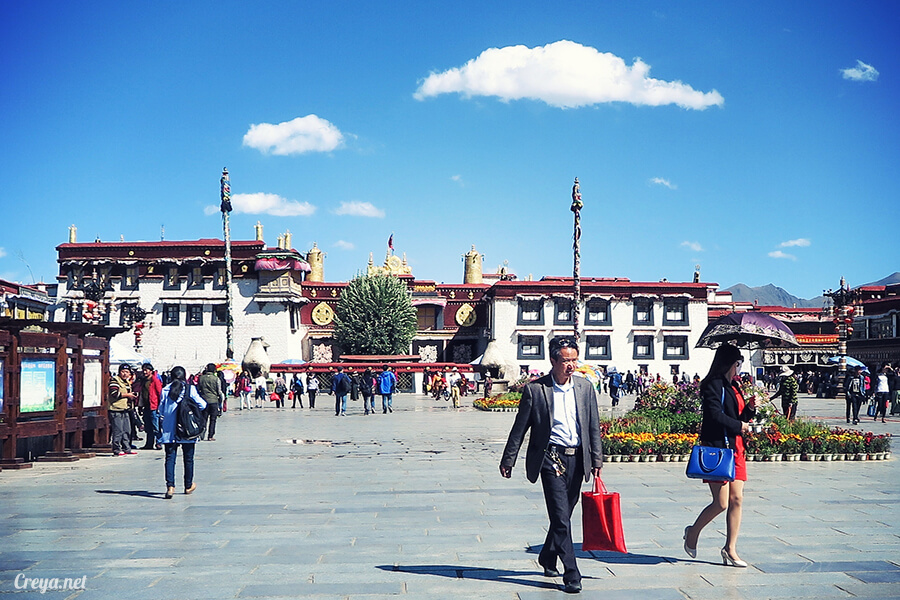 2015.12.09 | Tibet 西藏踢北去 | 尋找藏人真正的拉薩中心,被信仰力量震撼的大昭寺與舊城區 08.jpg
