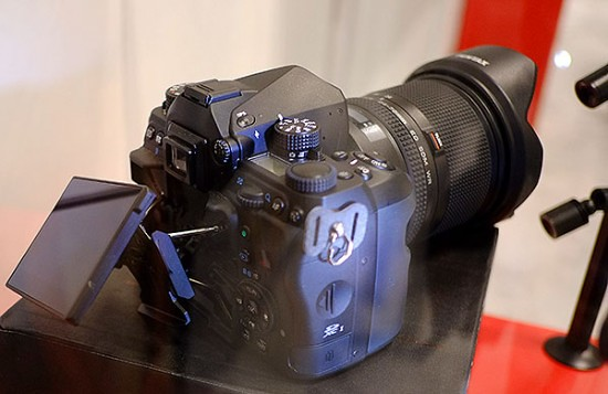 Pentax-full-frame-DSLR-camera-3-550x357