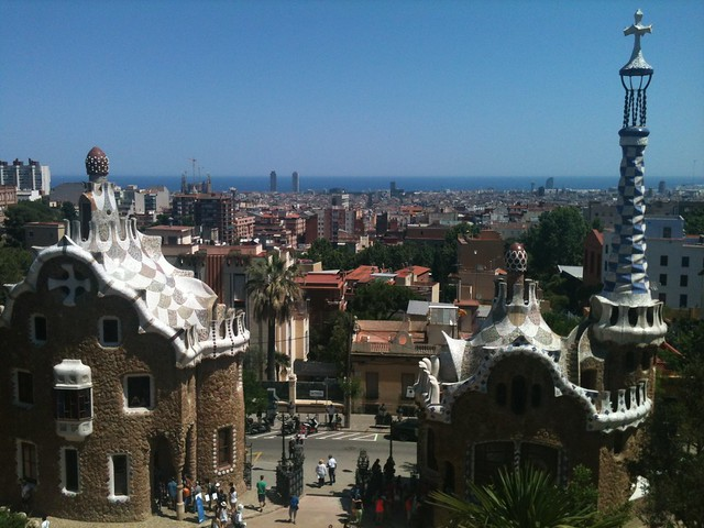 Bercelona with kids iconic view
