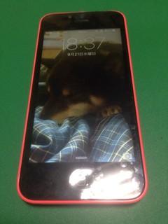 194_iPhone5Cのフロントパネルガラス割れ