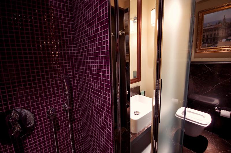 bathroom - hotel vagabond singapore