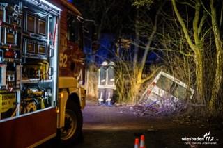 Alleinunfall mit Kleintransporter in Idstein 08.12.15
