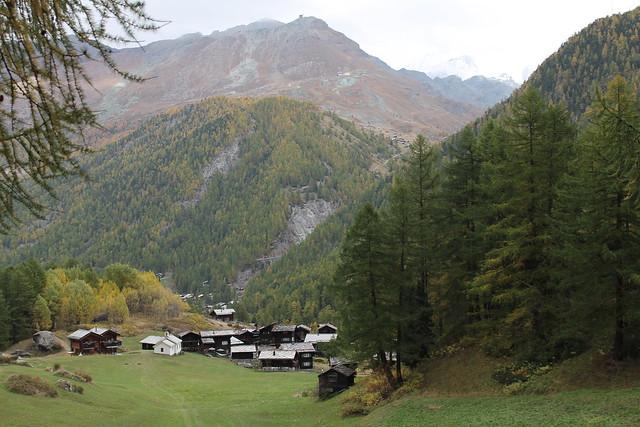 farm houses trail furi to zermatt