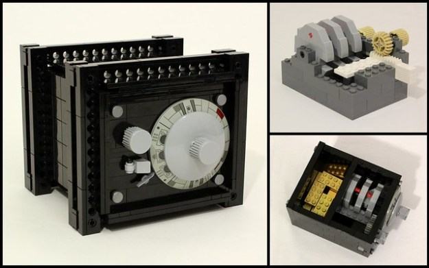 Working LEGO Combination Safe