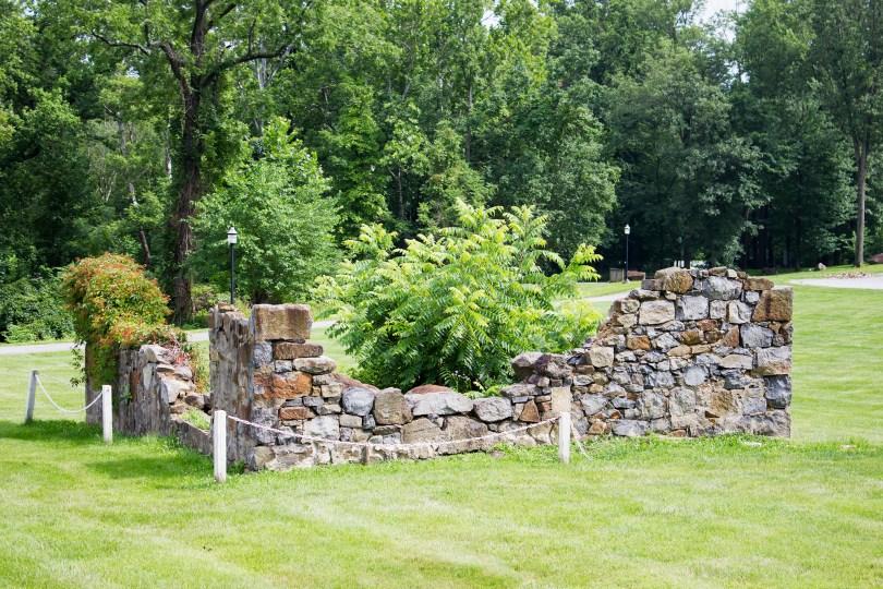 rockwood-mansion-park-playhouse-ruins