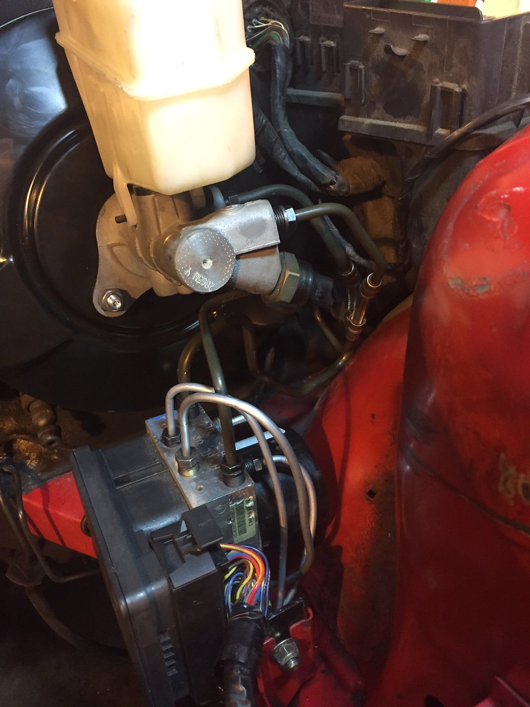 hight resolution of i do not remember whether i used e46 m3 or z3 non m brake lines to go between the master cylinder and the dsc unit but these also needed bending forming to