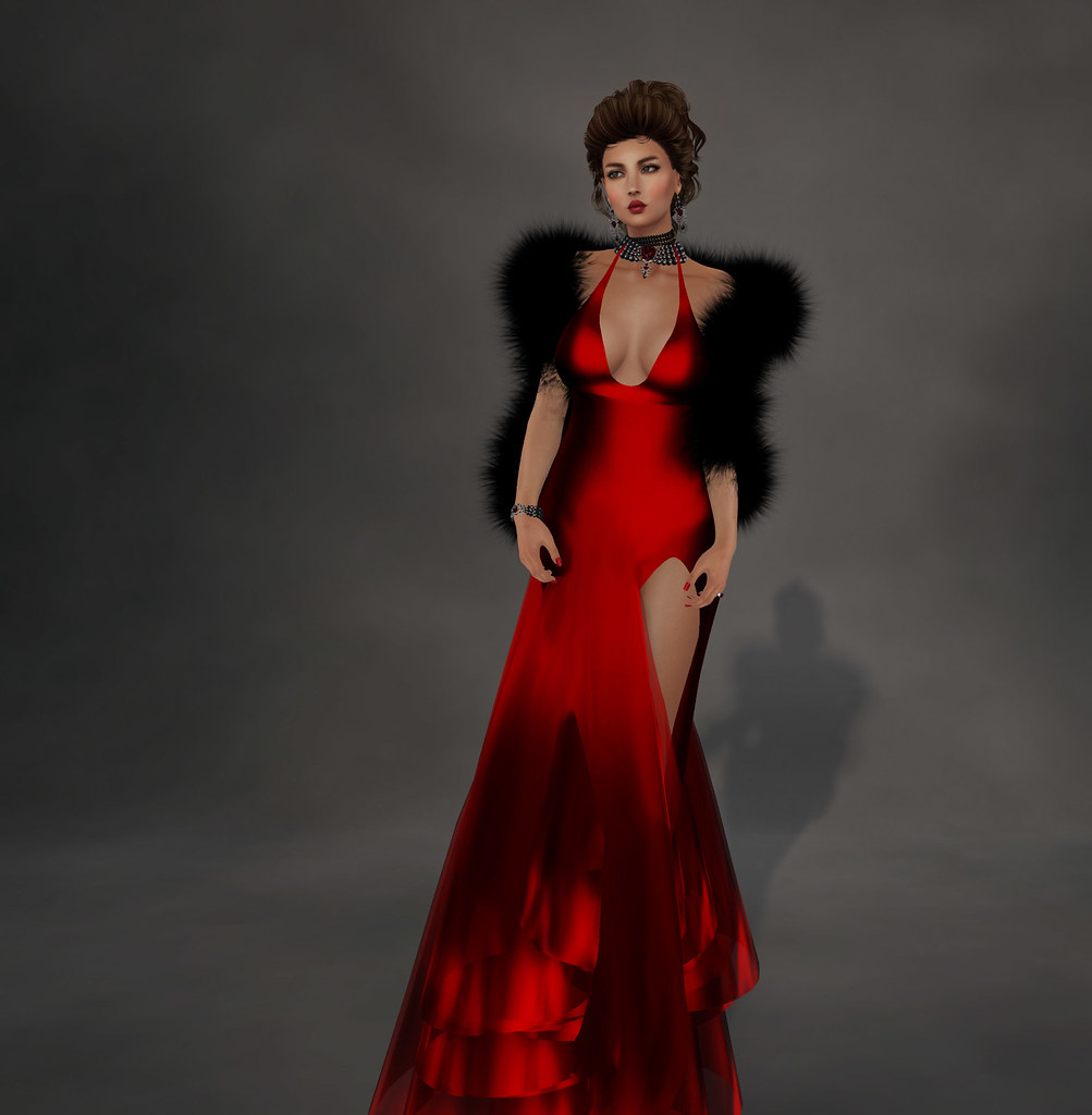 . Also Included Is A Black Fur Stola Which Adds Extra Glam Appeal