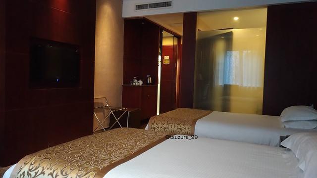Day 3: 4 Hotel 10