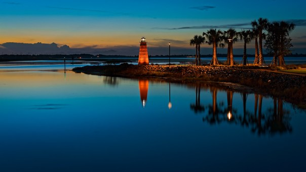 Lake Toho light at dawn