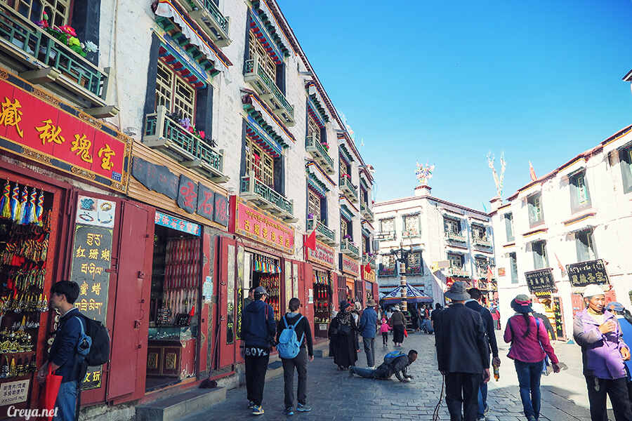 2015.12.09 | Tibet 西藏踢北去 | 尋找藏人真正的拉薩中心,被信仰力量震撼的大昭寺與舊城區 22.jpg