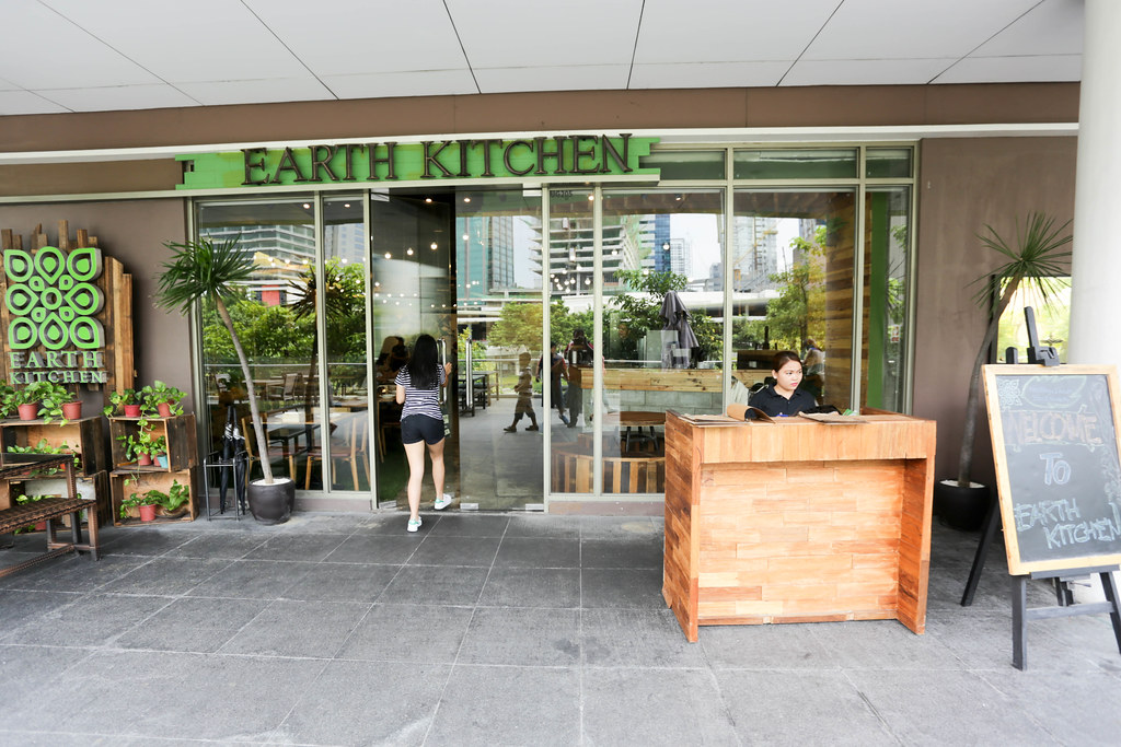 Earth Kitchen BGC-3.jpg