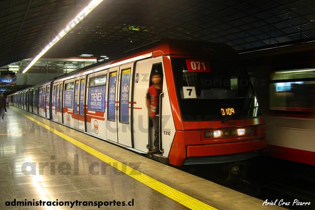 Metro de Santiago - Alstom NS93 N2071 - Pedro de Valdivia (L1)