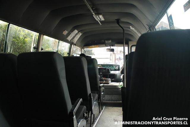 Buses Vipu-ray - Pucón - Toyota Hiace (VR7679)