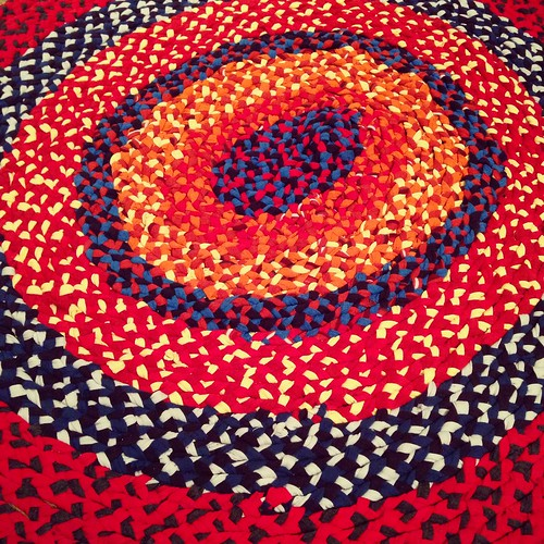 Completed braided rug - detail