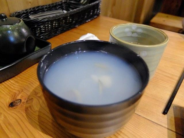 蜆仔蒜頭湯