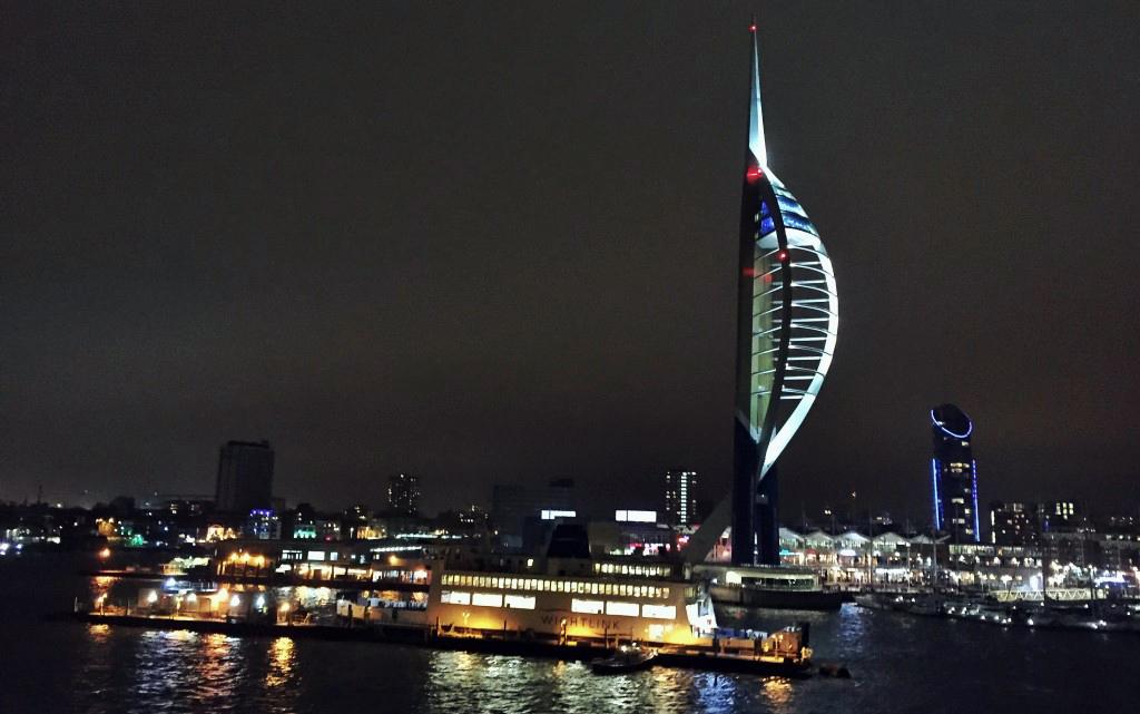 Viajar con mascotas a Reino Unido: BrittanyFerries en el puerto de Portsmouth, Inglaterra Viajar con mascotas a Reino Unido Viajar con mascotas a Reino Unido desde España 23550816802 569b56a085 b