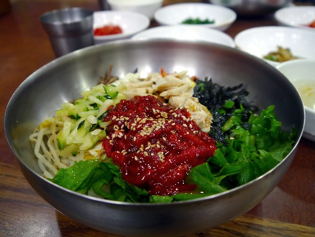 Of all the things you must eat in Jeonju, Yukhui Bibimbap is the tastiest!
