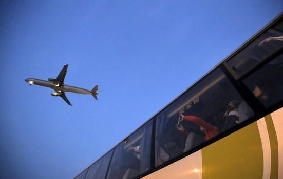 Muere piloto de American Airlines en pleno vuelo en EU