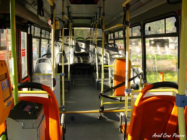 Transantiago - Redbus Urbano - Neobus Mega LE / Mercedes Benz (MZ8074) (215)