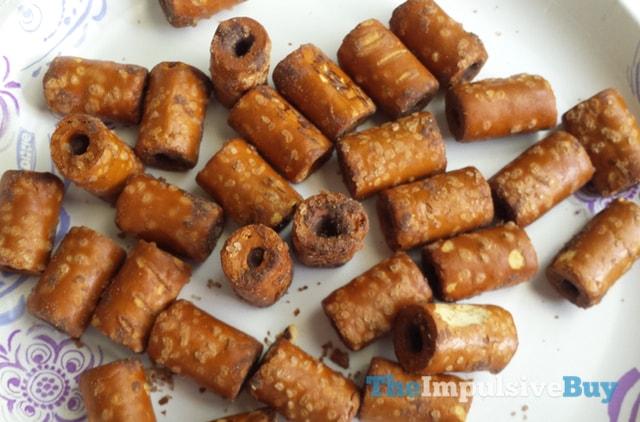 Combos Sweet & Salty Chocolate Fudge Pretzel 2