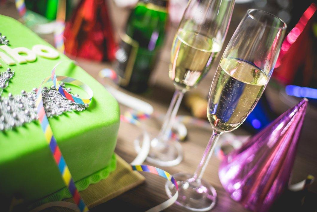 Imagen gratis de una fiesta con champagne