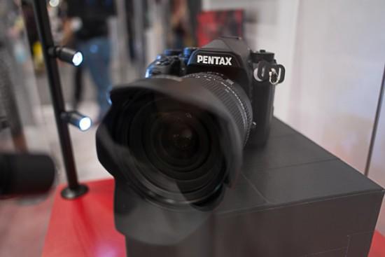 Pentax-full-frame-DSLR-camera-2-550x367