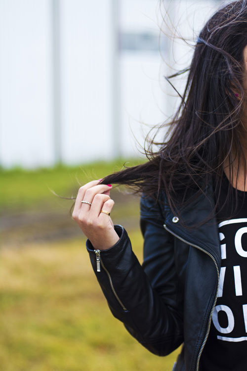 7_danier_leather_jacket_garage-t-shirt_pandora_aldo_ring