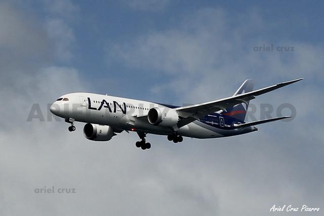 LAN Airlines - Isla de Pascua (IPC) - Boeing 787 Dreamliner CC-BBF